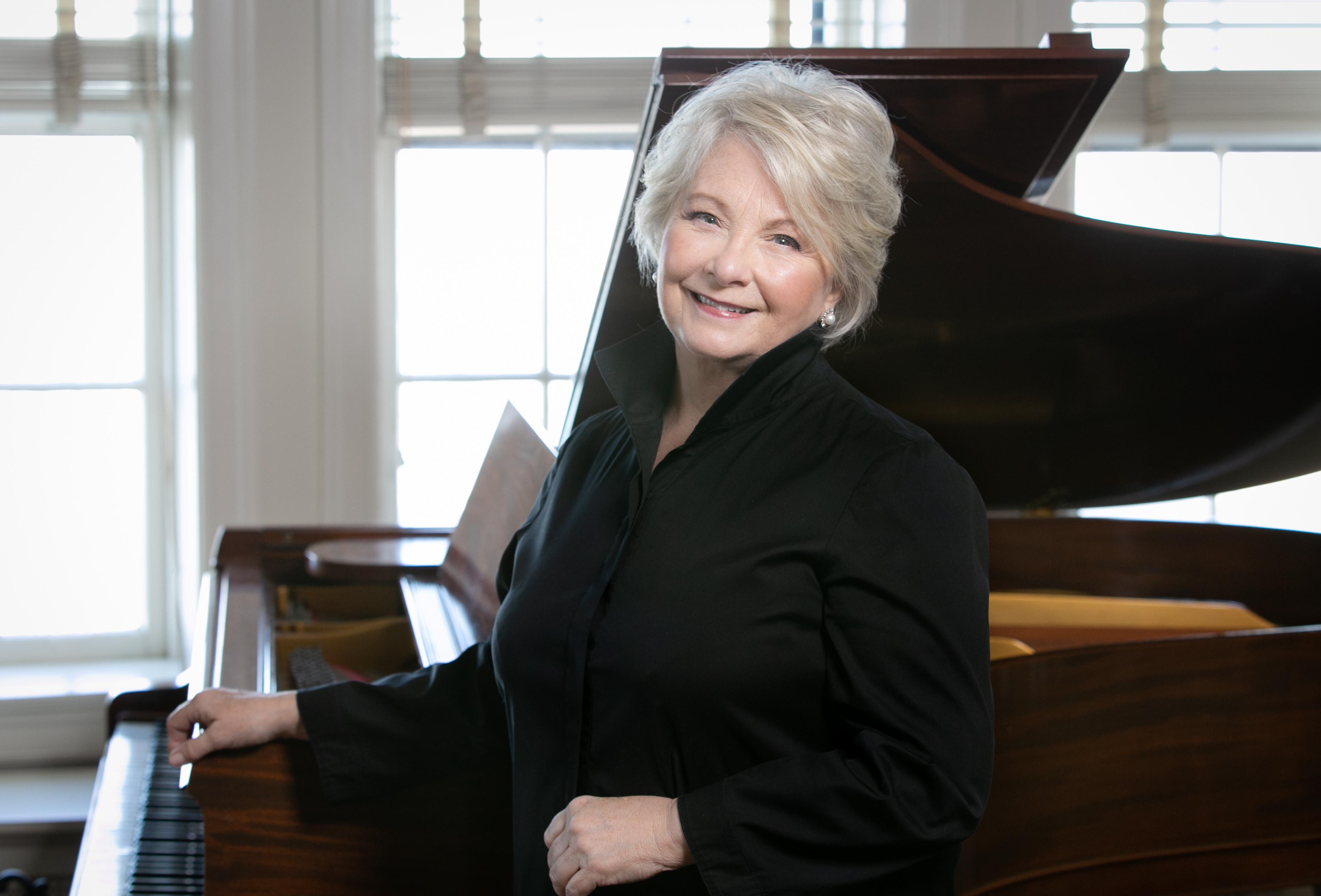 Doreen Rao- Guest Conductor © Elliott Mandel