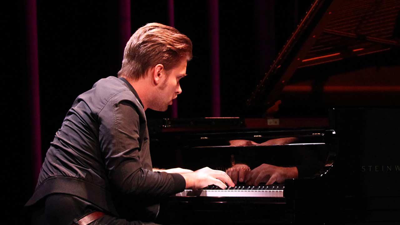 Piotr Orzechowski<br /> &quot;Pianohoooligan&quot;